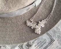 ノスタルジックな銀の花