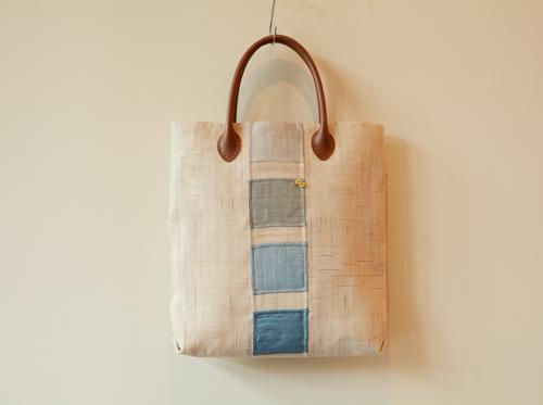 シンプルで清楚な若山佳代子さんのポジャギトートバッグ