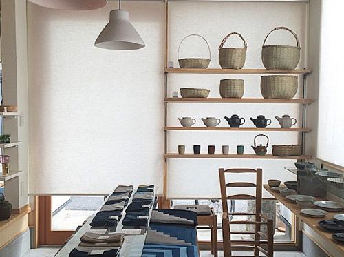 実店舗「スズキ家の茶ノ間」にて[folk product]全製品を実際に手にとってみていただけます。