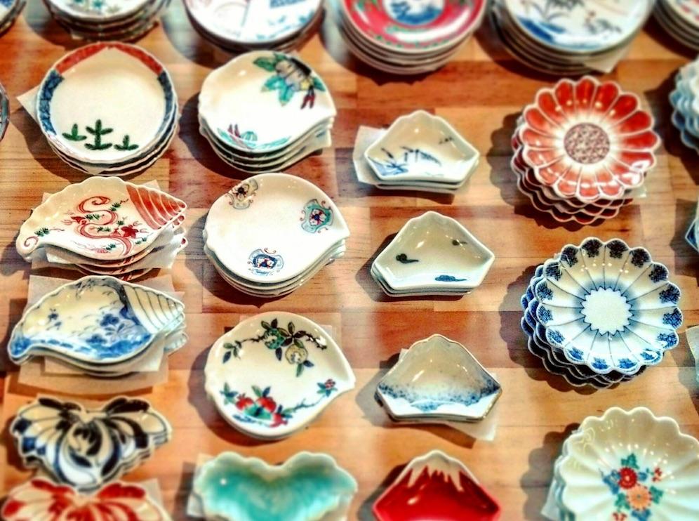 有田焼400年プロジェクトのひとつ、「お手塩皿(おてしょざら)」。
